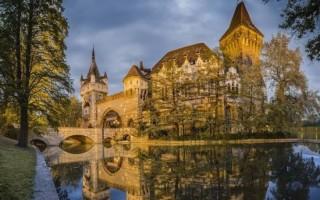 Замок Вайдахуняд — Будапешт